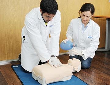Curso Soporte Vital Básico para profesionales de la Salud (BLS) Certificacion internacional (AHA)