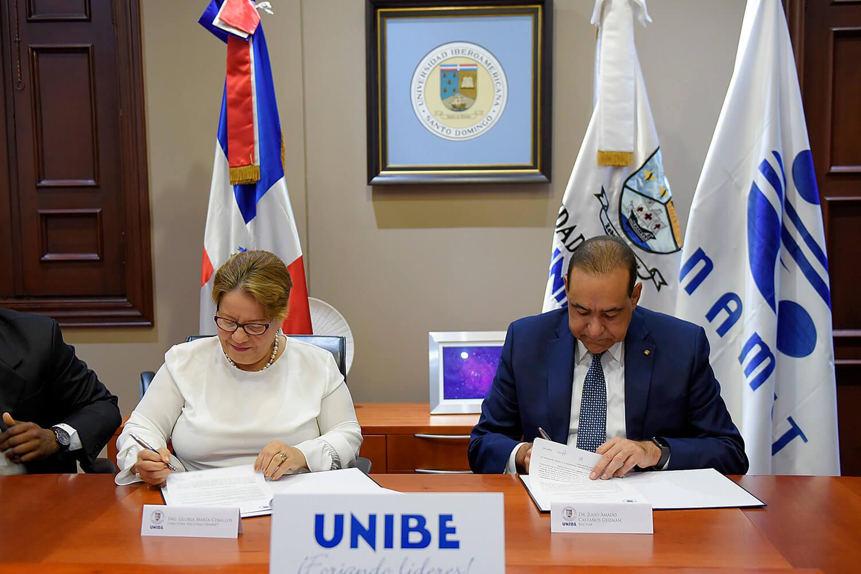 UNIBE firma acuerdo de colaboración con ONAMET