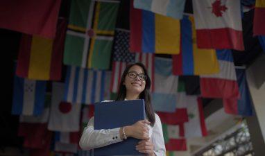 UNIBE se consolida como la primera universidad del pais con oferta bilingue
