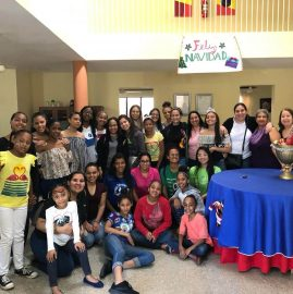 Foto grupal Donativos - Egresados UNIBE