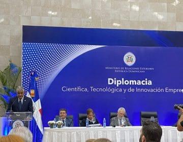 """Escuela de Ingeniería en TIC participa de lanzamiento """"Diplomacia Científica, Tecnológica e Innovación Empresarial"""""""