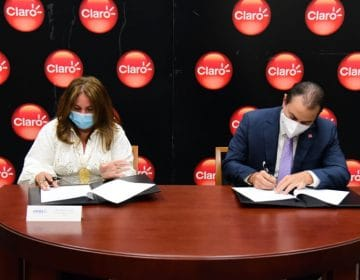 Claro firma acuerdo de conectividad con UNIBE
