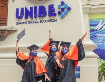 UNIBE gradúa 546 nuevos profesionales en graduación virtual